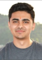 A photo of Ashutosh who is one of our Physics tutors in Akron