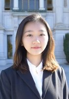 A photo of Yaxin who is one of our Computer Science tutors in Salem