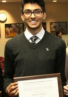 A photo of Srini who is one of our Biology tutors in Elk Grove Village
